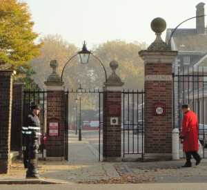 Royal Hospital, Chelsea. Chelsea Pensioner returns from shopping